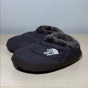 Small girls house slippers The north face